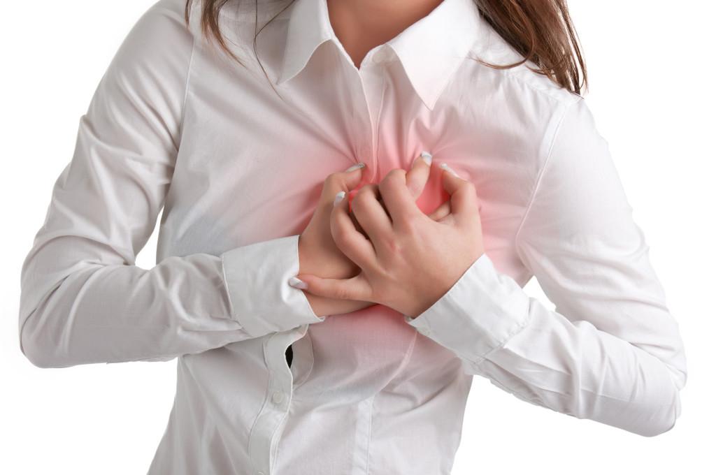 Боль в груди при мастите